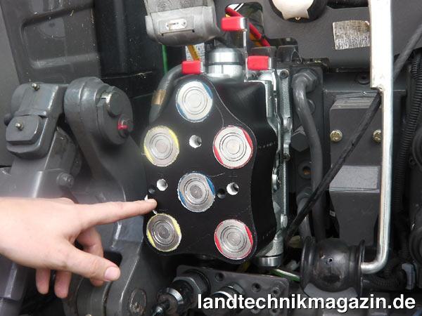 Ganz und zu Extrem XL-Bild 1: Die neue flachdichtende Hydraulikkupplung (Flatface &NL_92